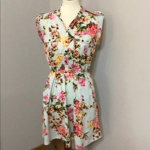 Med Floral Dress w Button Up Top Part. Retro Vibe